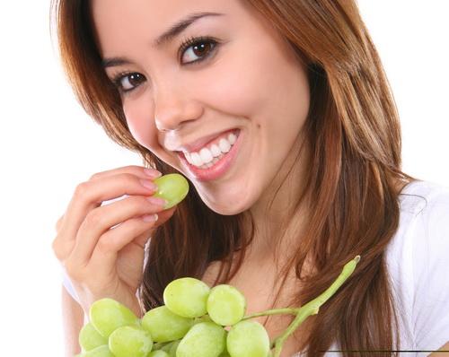 Prevenirea cariilor dentare prin consumul frecvent de struguri